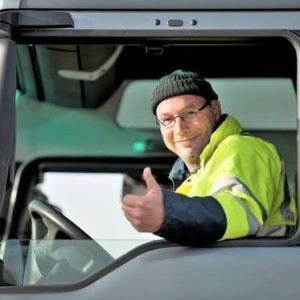 duim vrachtwagenchauffeur 300x300 De mismatch binnen de transport en logistieksector